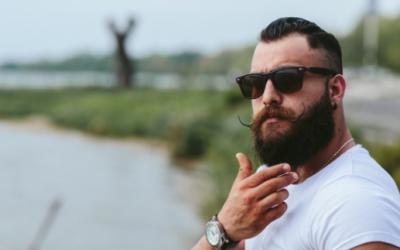 Mit mond el rólad a szakállad?